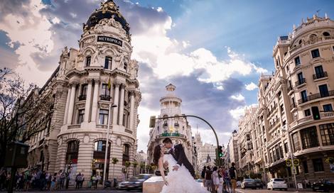 Fotografía para recién casados: luna de miel en Madrid